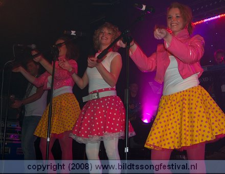 dolly-dots-1-2008